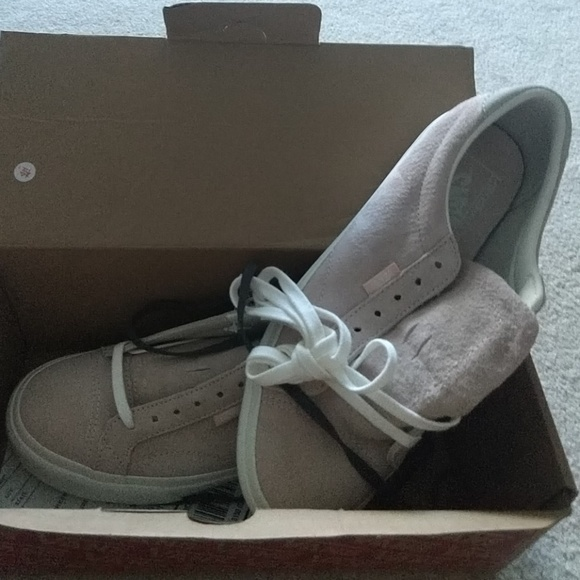 1ca0a65269 Vans Court DX Pig suede Silver peony